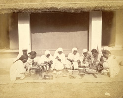 Sonars (goldsmith caste) at work, Cuttack 4935